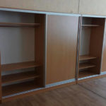 Раздевальные шкафы в школьном классе